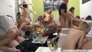 Порно Вечеринка На Квартире